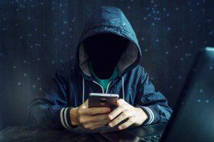 Vigyázat! Álcázott csaló telefonhívások